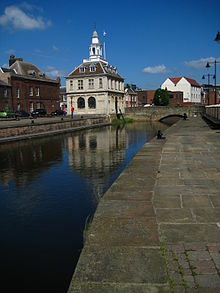 Kings_Lynn_Customs_House_pier